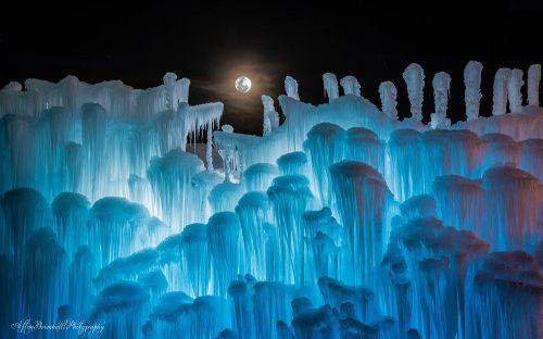 2015 ice castles NH