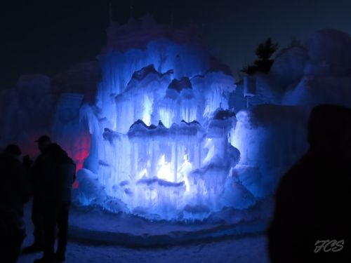 ice castles lincoln NH 2015